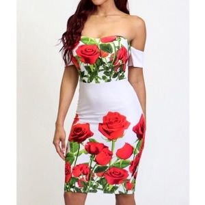 Dresses & Skirts - 🆕 Roses Off The Shoulder Bodycon Dress